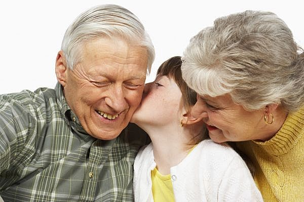 abuelos-crianza-apego-sienteme