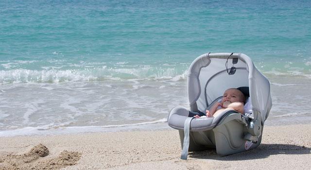 5 consejos para ir a la playa con un bebé